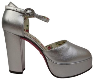 04241304092 Women s Silver Gucci Shoes - Up to 90% off at Tradesy