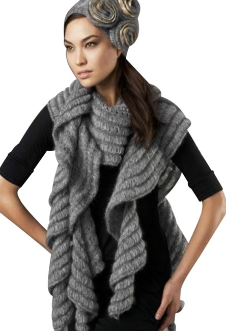 Item - Gray Ludgate Scarf/Wrap