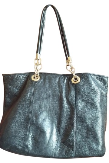 Preload https://img-static.tradesy.com/item/2442736/margot-work-black-leather-tote-0-0-540-540.jpg