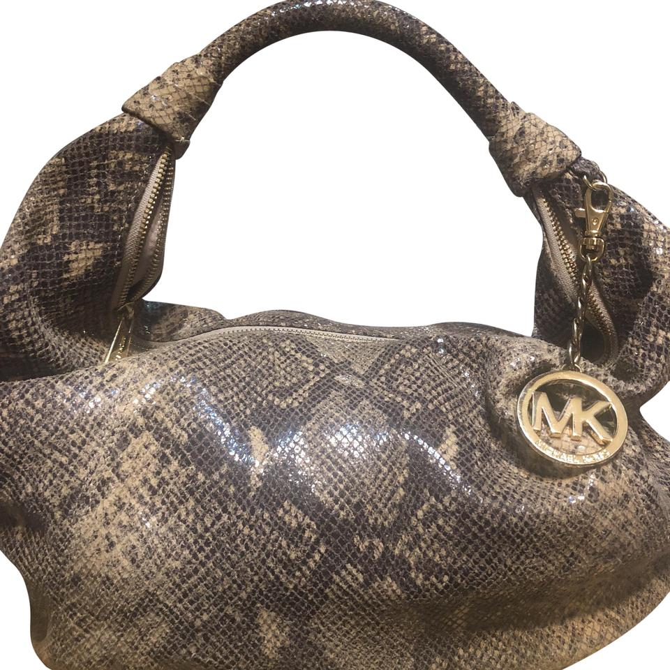 b59082a75ff9 Michael Kors Collection Beige and Balck Suede Leather Hobo Bag - Tradesy