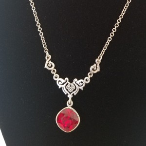 Unik Sterling Silver Necklace with Stone Pendent