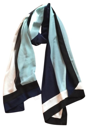 White House | Black Market WHBM Beautiful scarf Image 0