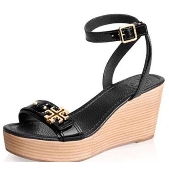Preload https://img-static.tradesy.com/item/24429503/tory-burch-new-elina-wedges-size-us-105-regular-m-b-0-0-540-540.jpg