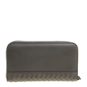 1a2eda2b41980 Bottega Veneta Grey Intrecciato Detail Leather Zip Around Wallet ...