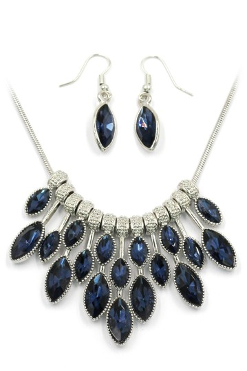 Preload https://img-static.tradesy.com/item/24429841/blue-crystal-earrings-silver-sets-necklace-0-0-540-540.jpg
