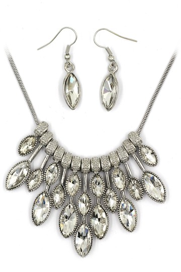 Preload https://img-static.tradesy.com/item/24429844/transparent-crystal-earrings-silver-sets-necklace-0-0-540-540.jpg