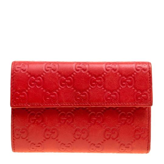 Preload https://img-static.tradesy.com/item/24429861/gucci-red-guccissima-leather-wallet-0-0-540-540.jpg