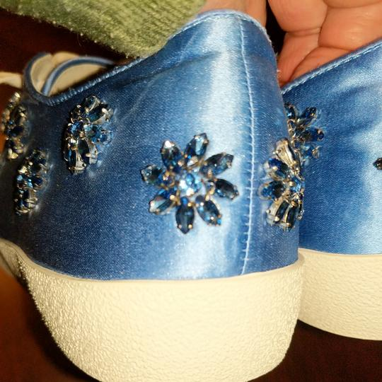 Anthropologie Alice Olivia Size Wedgewood blue with blue gemstones and crystals Athletic Image 8