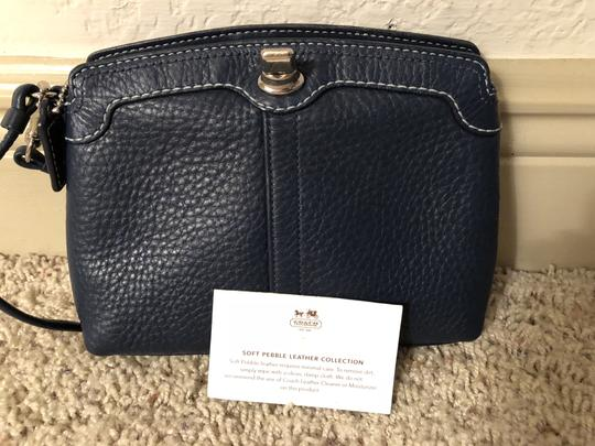 Coach Leather Navy Clutch Image 3