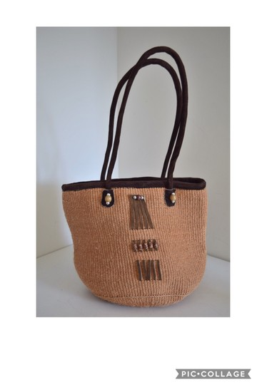Preload https://img-static.tradesy.com/item/24431002/woven-beige-and-brown-basket-suede-tote-0-0-540-540.jpg