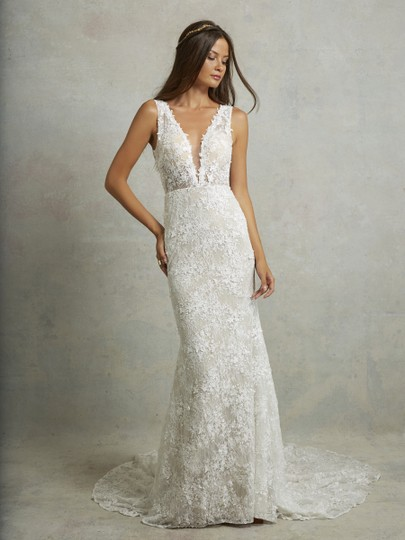 Preload https://img-static.tradesy.com/item/24431298/ivory-lace-montgomery-lined-lining-traditional-wedding-dress-size-12-l-0-0-540-540.jpg