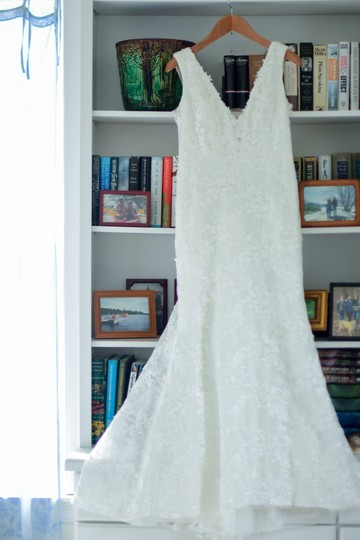 Ivory Lace Montgomery Lined Lining) Traditional Wedding Dress Size 12 (L) Image 3