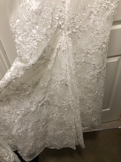 Ivory Lace Montgomery Lined Lining) Traditional Wedding Dress Size 12 (L) Image 5