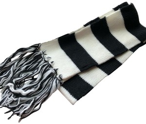 N/a Black and White Thick Winter Scarf
