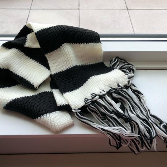 N/a Black and White Thick Winter Scarf Image 3