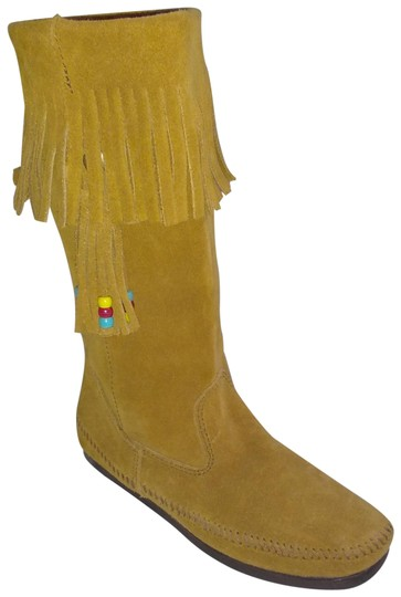 Minnetonka Suede Fringe Mocassin Size 7 Tan Boots Image 0