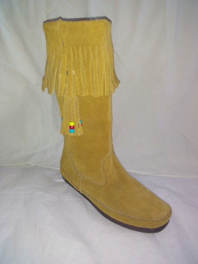 Minnetonka Suede Fringe Mocassin Size 7 Tan Boots Image 11