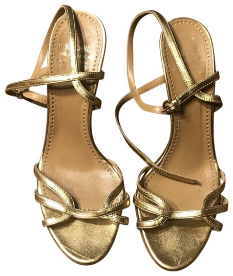 Preload https://img-static.tradesy.com/item/24431665/moschino-cheap-and-chic-gold-leather-sz375-sandals-size-us-75-regular-m-b-0-1-540-540.jpg