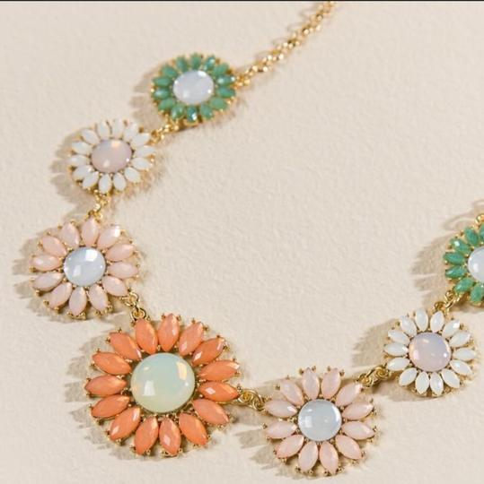Anthropologie NWT Faceted Daisy Statement Necklace Image 3