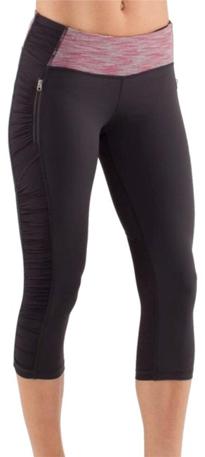Preload https://img-static.tradesy.com/item/24431993/lululemon-run-in-the-sun-deep-coal-wee-are-from-space-activewear-bottoms-size-4-s-27-0-1-650-650.jpg