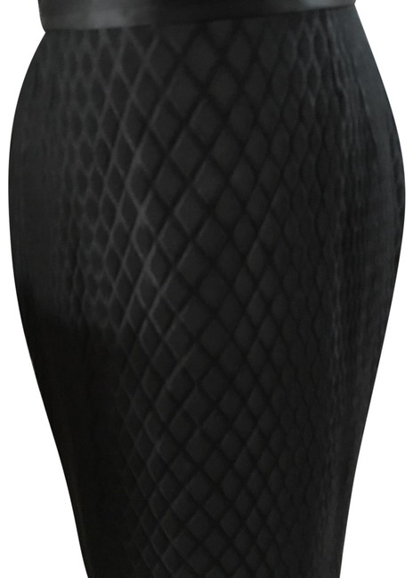 Preload https://img-static.tradesy.com/item/24432041/versace-black-geometric-pencil-426-skirt-size-6-s-28-0-1-650-650.jpg
