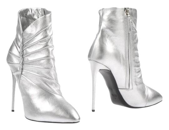Preload https://img-static.tradesy.com/item/24432085/giuseppe-zanotti-silver-new-bootsbooties-size-eu-40-approx-us-10-regular-m-b-0-1-540-540.jpg