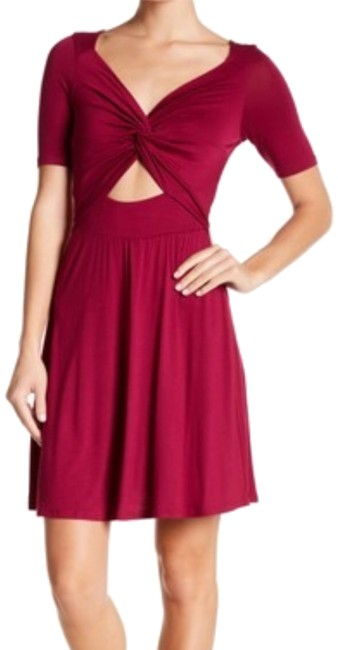 Item - Red Twist Cutout Short Casual Dress Size 16 (XL, Plus 0x)