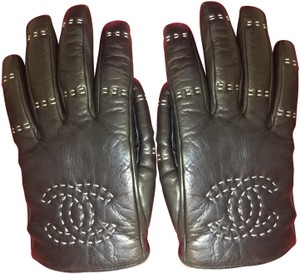 Chanel Chanel Black Leather gloves. CC Logo. Ivory stitching. Sz 7.5.