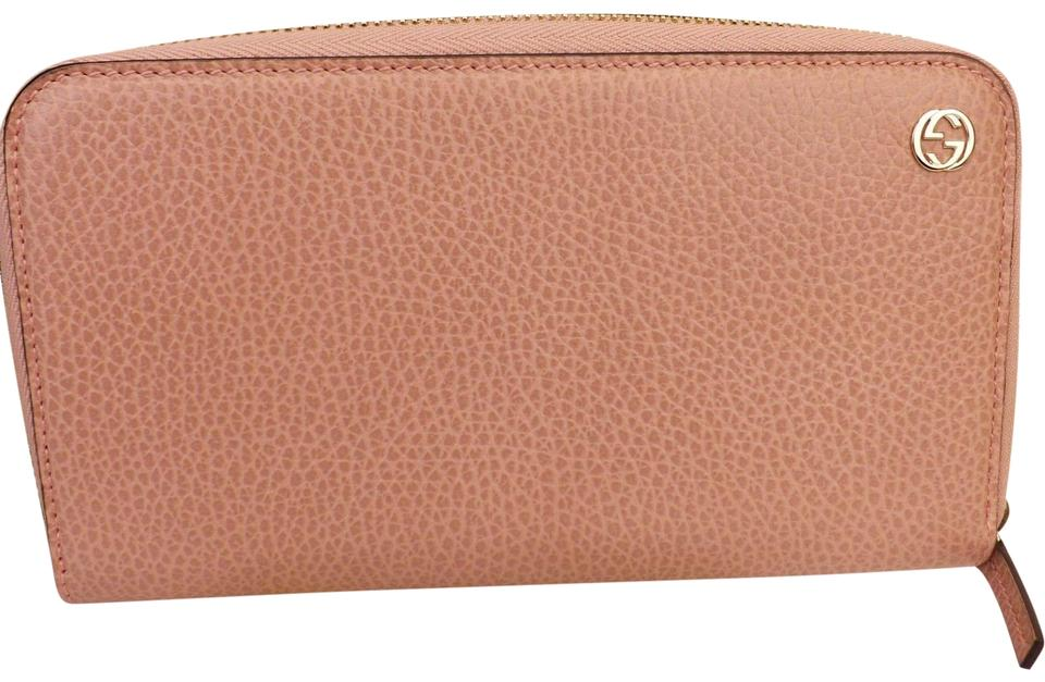 702583a31b3 Gucci SOFT PINK TEXTURED LEATHER GG LOGO ZIP DOLLAR CALF WALLET  449347  Image 0 ...