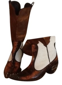 Vicini Brown/white Boots