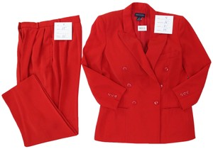 Anne Klein Double-breasted jacket and Pleat front, lined trousers