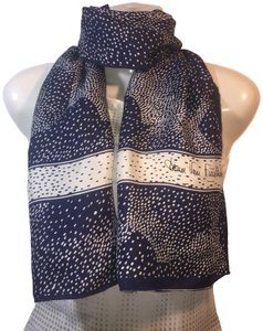 Diane von Furstenberg Diane Von Furstenberg Navy Blue & White Rectangular scarf - AS IS