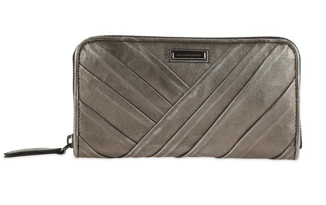 Item - Silver Pewter Pleated Continental Wallet