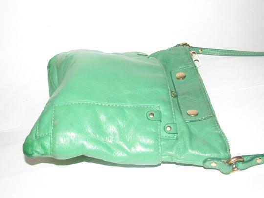 Marc Jacobs Lots Of Pockets/Room Mint Condition Body/Shoulder Leather/Gold Sling Cross Body Bag