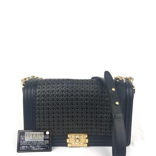 Preload https://img-static.tradesy.com/item/24434856/chanel-boy-limited-edition-black-leather-cross-body-bag-0-0-540-540.jpg