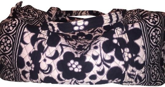 Preload https://img-static.tradesy.com/item/24434888/vera-bradley-duffel-night-and-day-cotton-weekendtravel-bag-0-1-540-540.jpg
