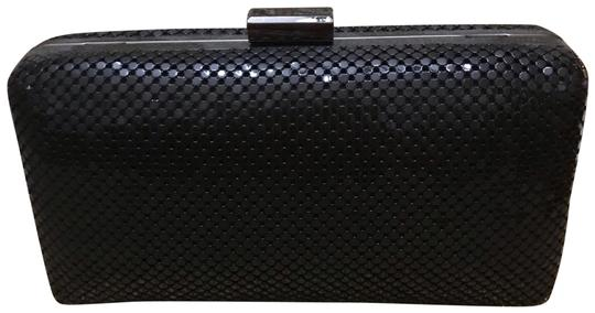 Preload https://img-static.tradesy.com/item/24435288/sondra-roberts-m3915-mesh-black-clutch-0-1-540-540.jpg