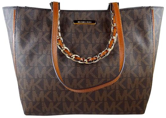 Preload https://img-static.tradesy.com/item/24435474/michael-kors-harper-mk-logo-east-west-brown-pvc-leather-tote-0-1-540-540.jpg