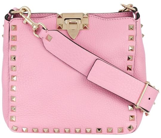 Preload https://img-static.tradesy.com/item/24435526/valentino-rockstud-mini-rose-shoulder-strap-messenger-pink-leather-cross-body-bag-0-1-540-540.jpg
