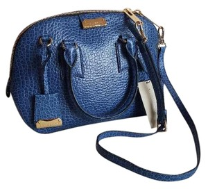 de2cd16280a7 Blue Burberry Satchels - Up to 90% off at Tradesy