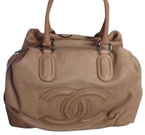 Chanel Handbag Tote in Camel