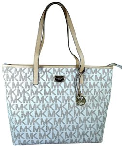 Michael Kors Leather/Canvas 889154940253 Tote in Vanilla