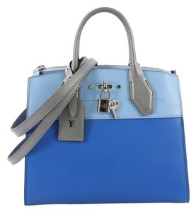 Louis Vuitton Handbag Leather Tote in blue