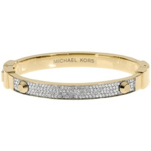 Michael Kors Nwt Gold Tone Crystal Pave Astor Stud Bangle Bracelet Mkj1975710