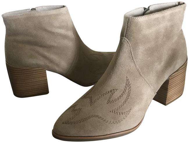 Matisse Tan Suede Ankle Boots/Booties Size US 9 Regular (M, B) Matisse Tan Suede Ankle Boots/Booties Size US 9 Regular (M, B) Image 1