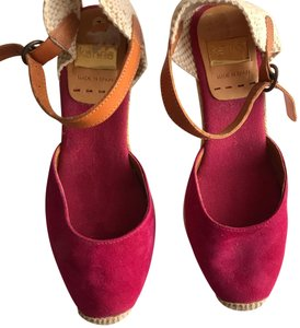 Kanna magenta suede with tan leather straps Wedges