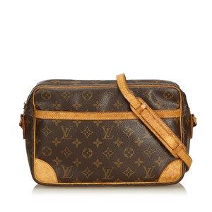 Louis Vuitton 8jlvcx085 Shoulder Bag