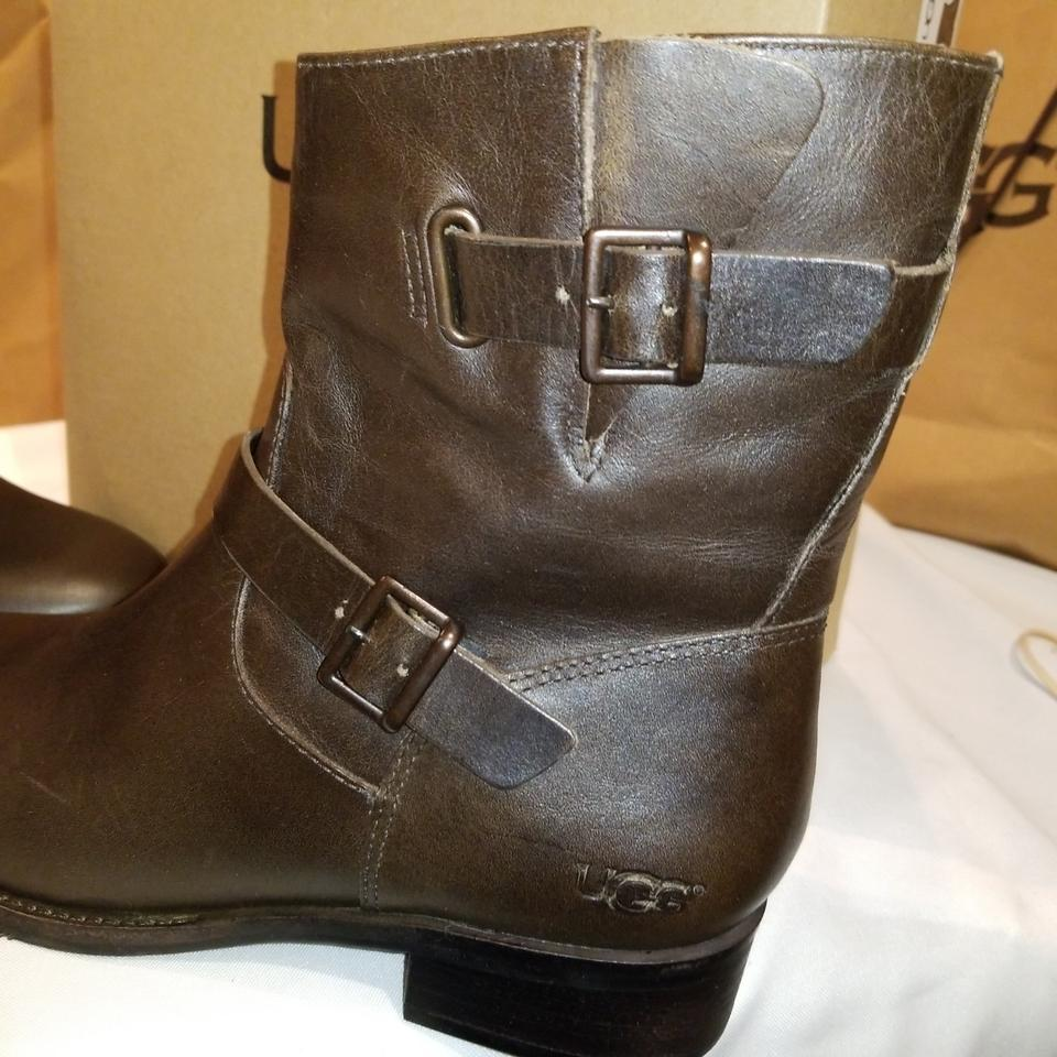 faa5502804f UGG Australia Wal W Fletcher Water Resistant Boots/Booties Size US 7.5  Narrow (Aa, N) 32% off retail