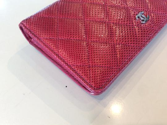 Chanel Cc Logo Lizard red bifold Wallet Image 11
