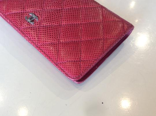 Chanel Cc Logo Lizard red bifold Wallet Image 9
